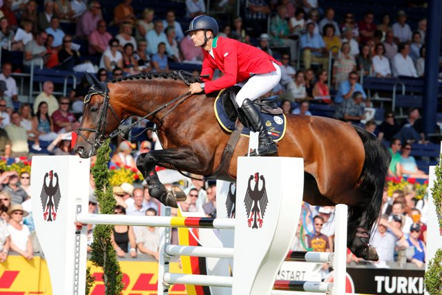 LONGINES GLOBAL CHAMPIONS TOUR: OTTO AZZURRI IN GARA A ROMA
