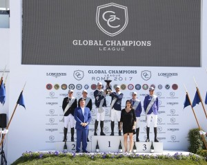 The podium: 1st Team Hamburg Diamonds, 2nd Team Miami Glory and 3rd Team Valkenswaard United